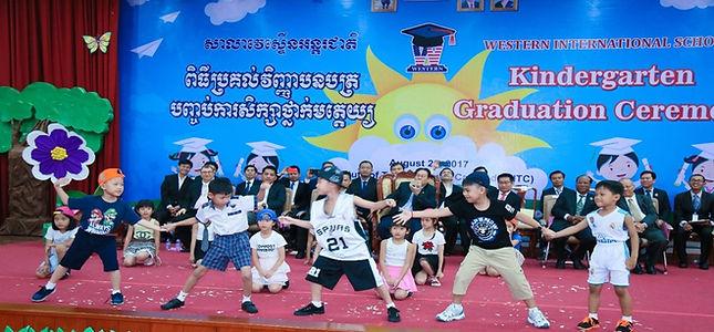 kd_graduation_3.jpg