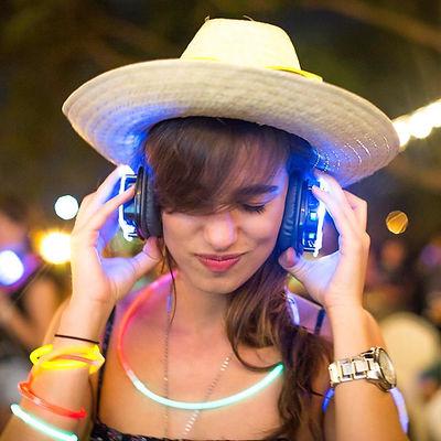 Profile Photo Main headphone girl.jpg