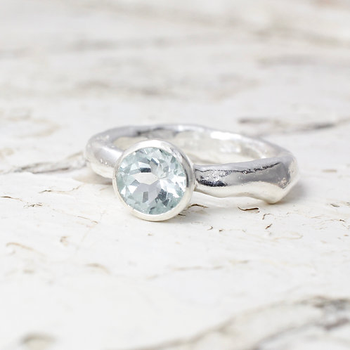 Aquamarine ring in sterling silver