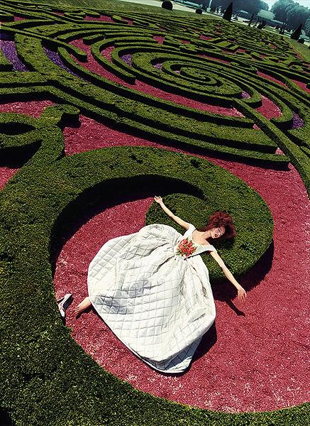 David LaChapelle, Collapse in a Garden, 1995