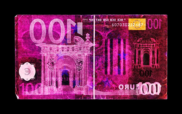 171215_05_DLC_CASH_EURO_100_FNL_09_704X9