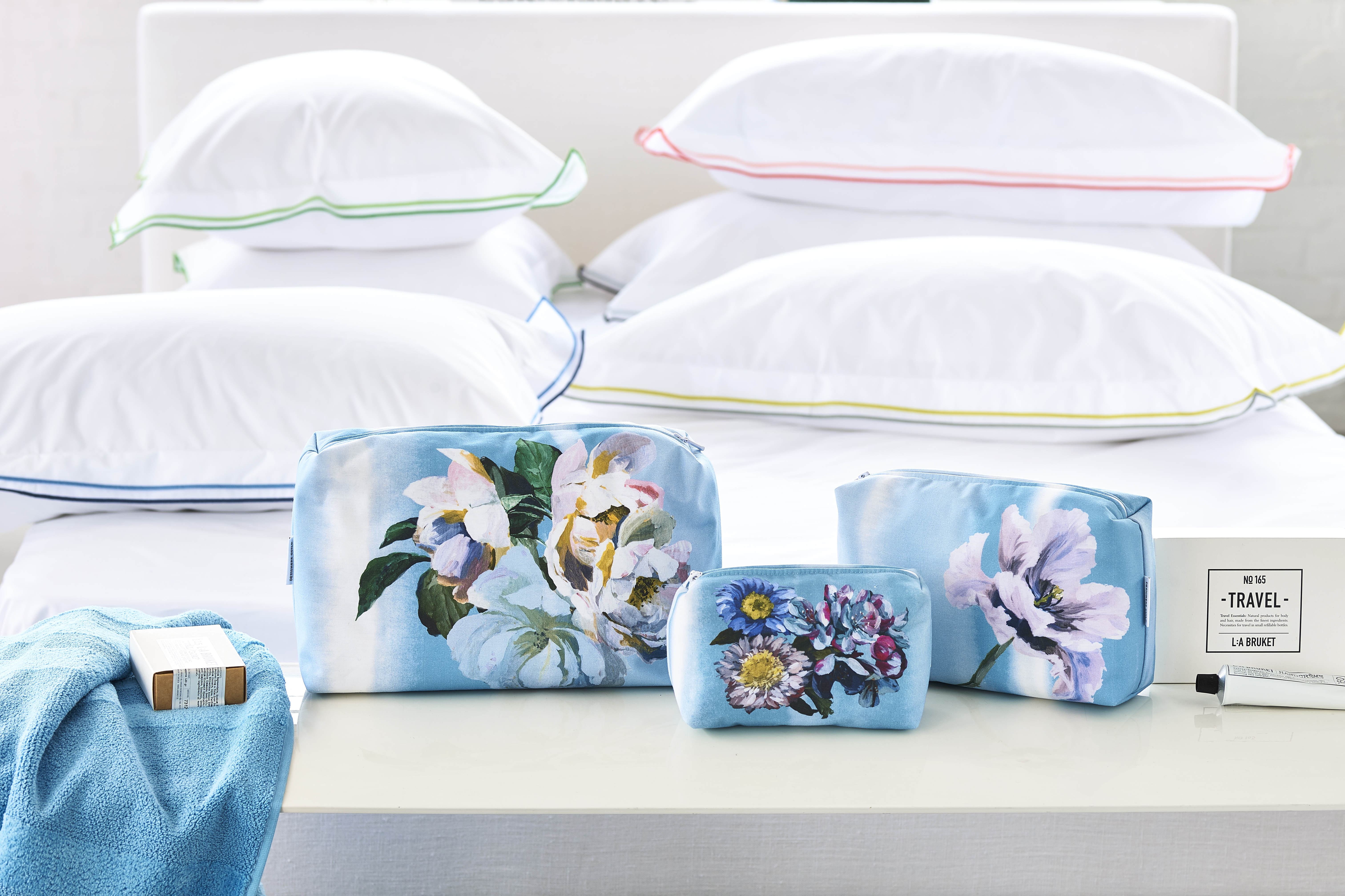 DESIGNERS GUILD WASH BAGS