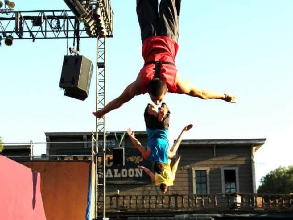 Trampoline & Acrobats