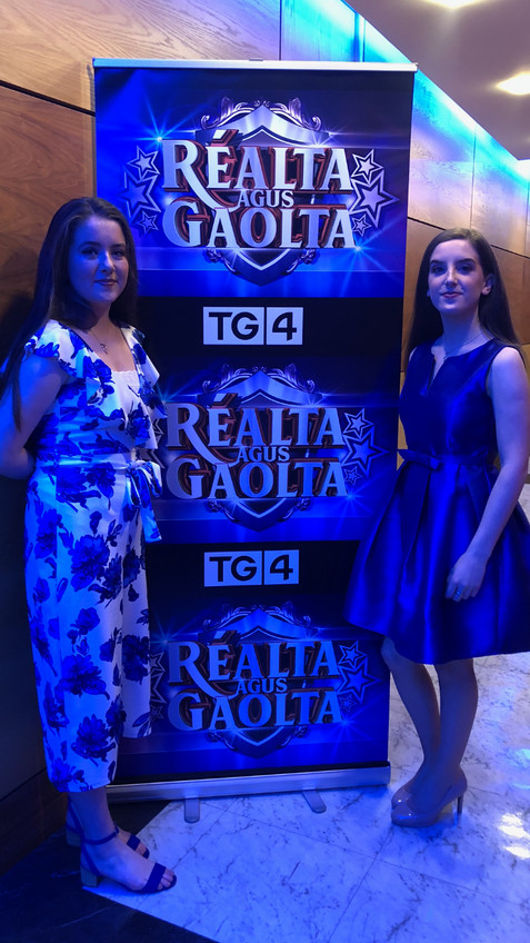 Aimee with her twin sister Anna participating in TG4 Raolta agus Gaolta at RTE studios