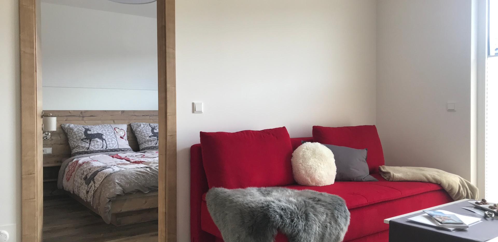 Sofa WZ.JPG