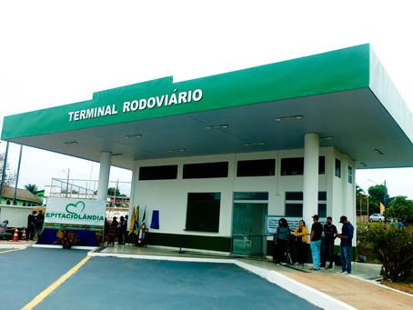 Com emenda de Flaviano Melo, prefeitura reforma Terminal Rodoviário de Epitaciolândia