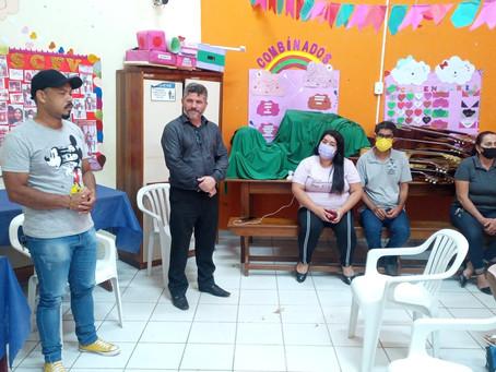 Prefeitura implanta curso de violão gratuito para crianças em Epitaciolândia