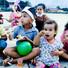 Grupo de voluntários distribuem chocolates e promovem resgate cultural da Páscoa em Epitaciolândia