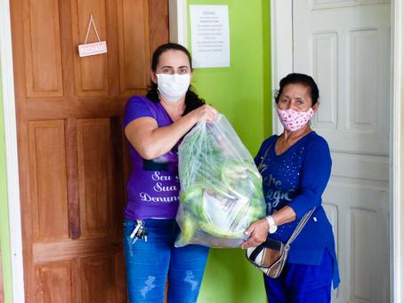 Prefeitura Distribui 3 toneladas de alimentos do PAA para 150 famílias e hospital Raimundo Chaar