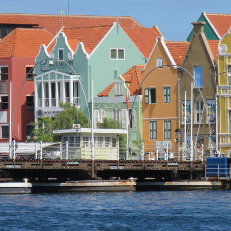 5 reasons to visit Curacao