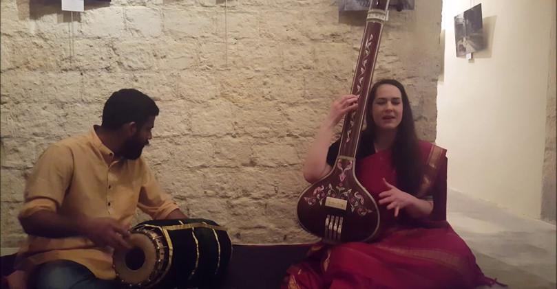 """Chant Carnatique, Audrey Prem Kumar, """"Vara Vallabha"""", Hamsadwani Ragam, G.N.Balasubramaniam, Paris"""