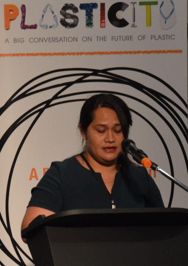 Nua Vaai Samoa Recyclers Assoc providing