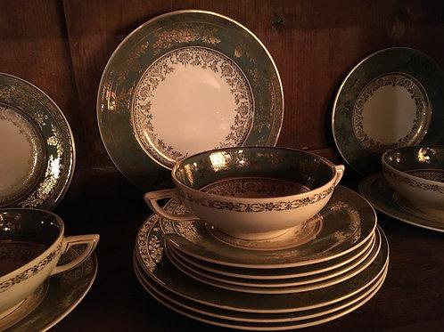 Magnifique ensemble pour six en  fine porcelaine