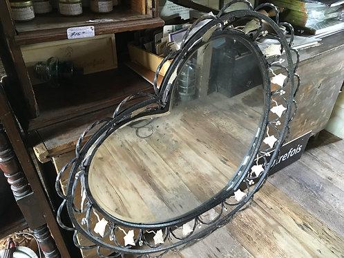 Magnifique miroir en forme de coeur, fer forgé