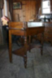 Antiquités de l'île d'Orléans, antiquite region quebec, antiquaire ile d'orleans, antiquaire Ste-famille, antiquité grange, antiquités ferme, au goût d'autrefois, antiquaire chemin Royal, antiquite en pin, antiquaire québec