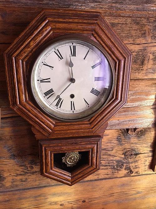 Horloge d'école Forestville sans carillon