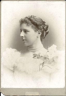 Louisa H McKenzie-Grieve Age 18_edited.j