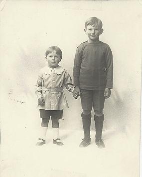 Dermot and Patrick Martin 1918_edited.jp