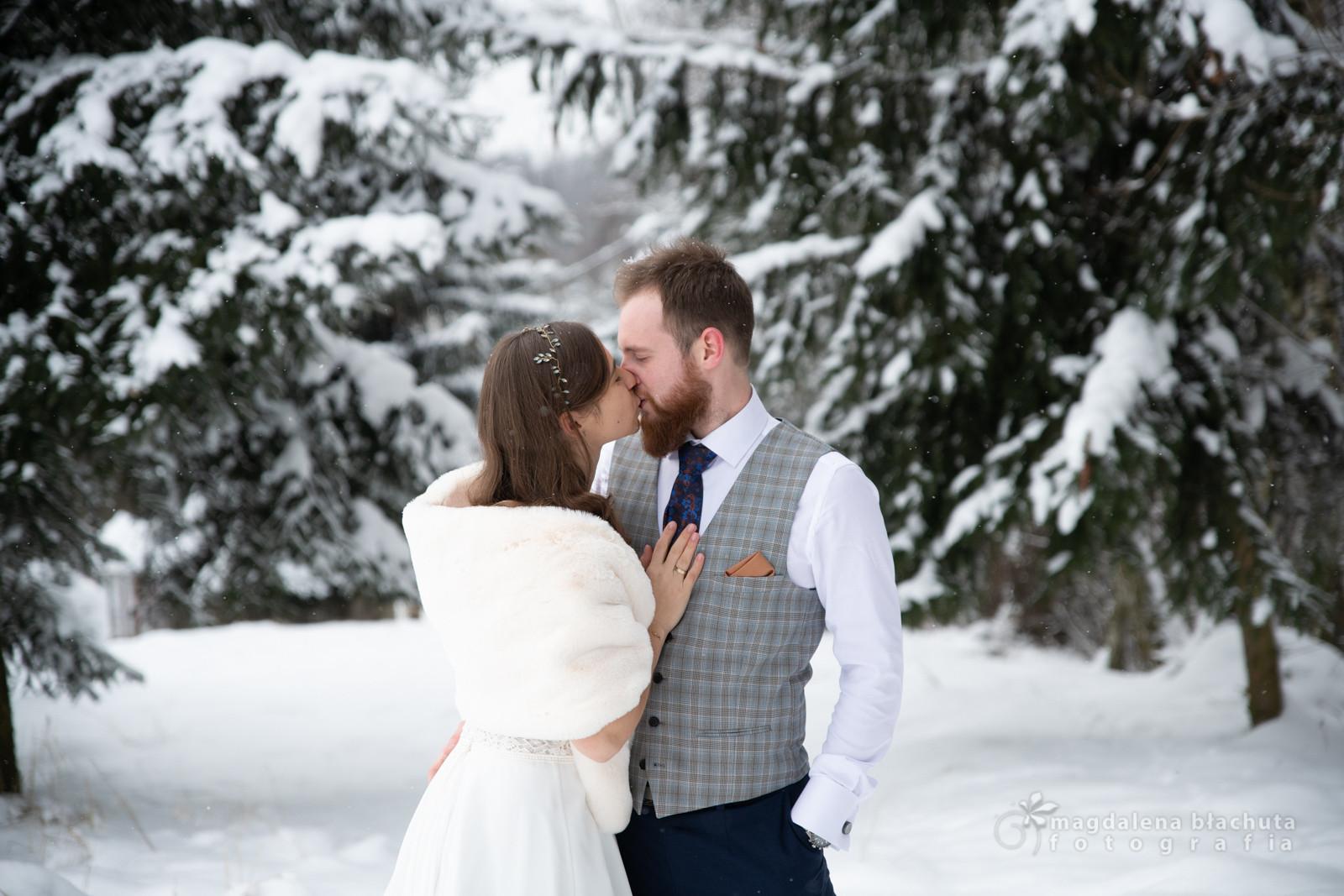 062zimowa sesja ślubna magdalena błachut