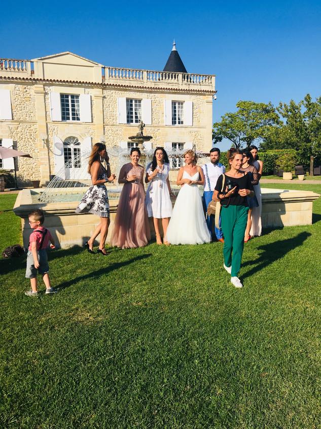 Mariés avec les invités