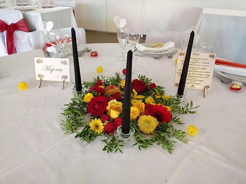 mariage-espagnol-rouge-jaune-bouquet-fleur