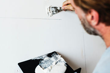 holes.wall.painting.handyhelpservice.jpg