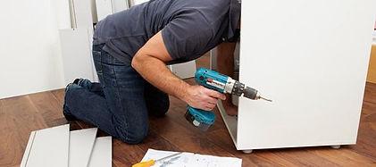 Handhyhelpservice.ch- Sie müssen eine Lampe montieren? Bilder aufhängen? Möbel zusammenbauen. Zürich Hausarbeiten Eletriker Service?Mach dir keine Sorgen, unsere Handwerker Allrounder machen alles für dich.