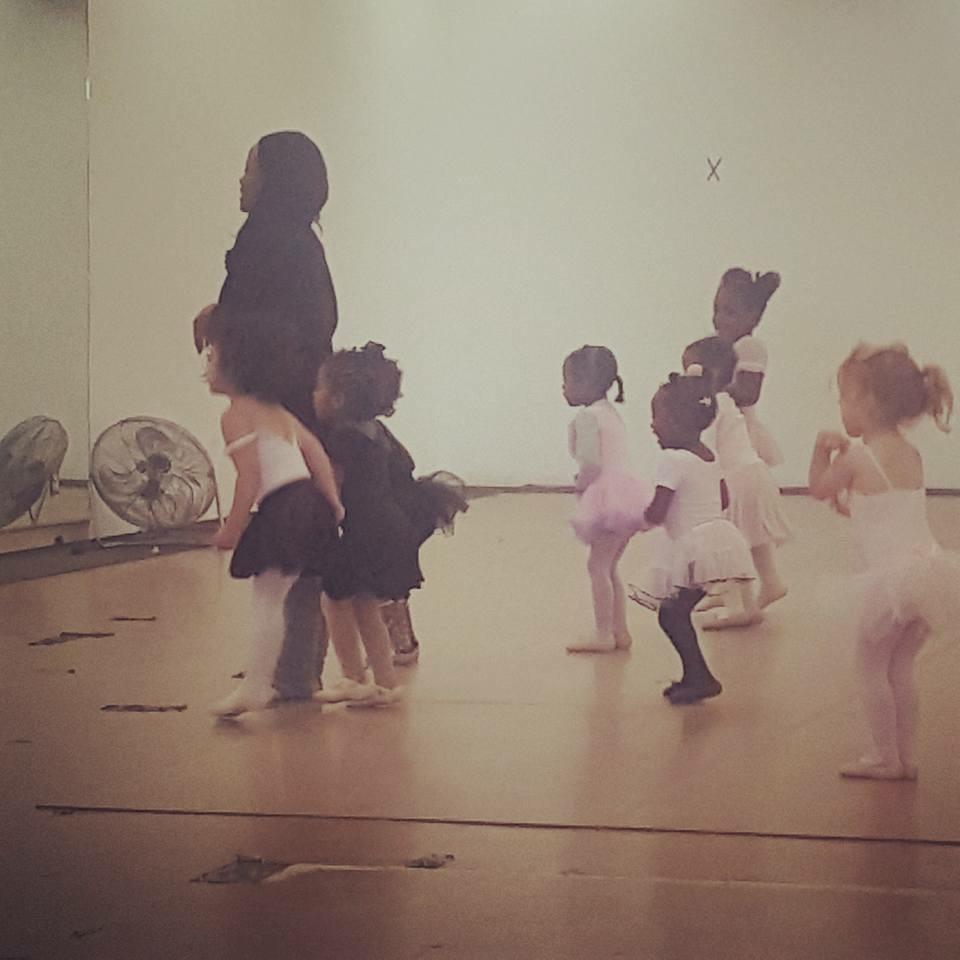 2-3 Ballet/Tap Sat @ 10am