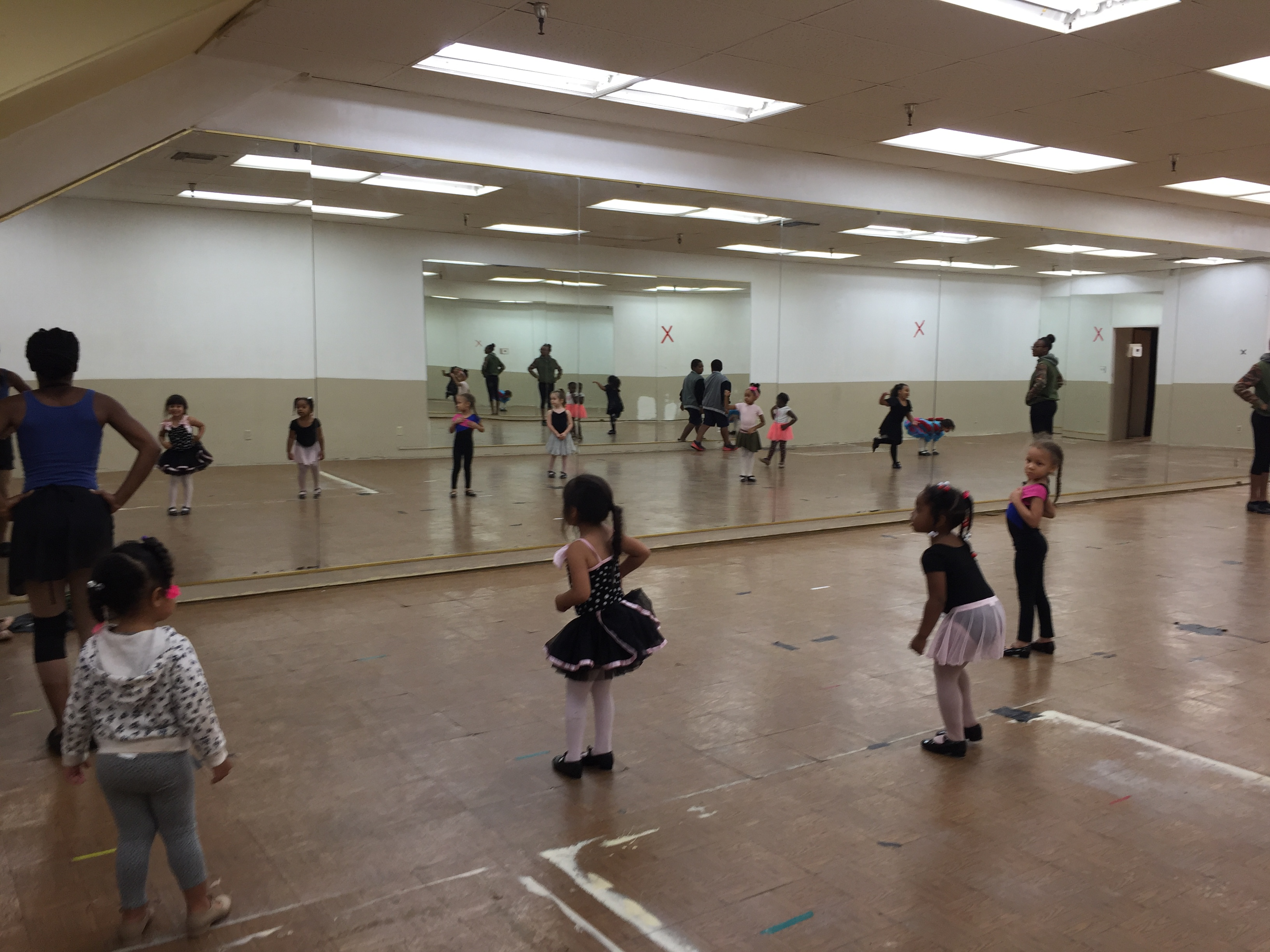 Weds @ 6:15pm Ballet/Tap 3-4 yrs