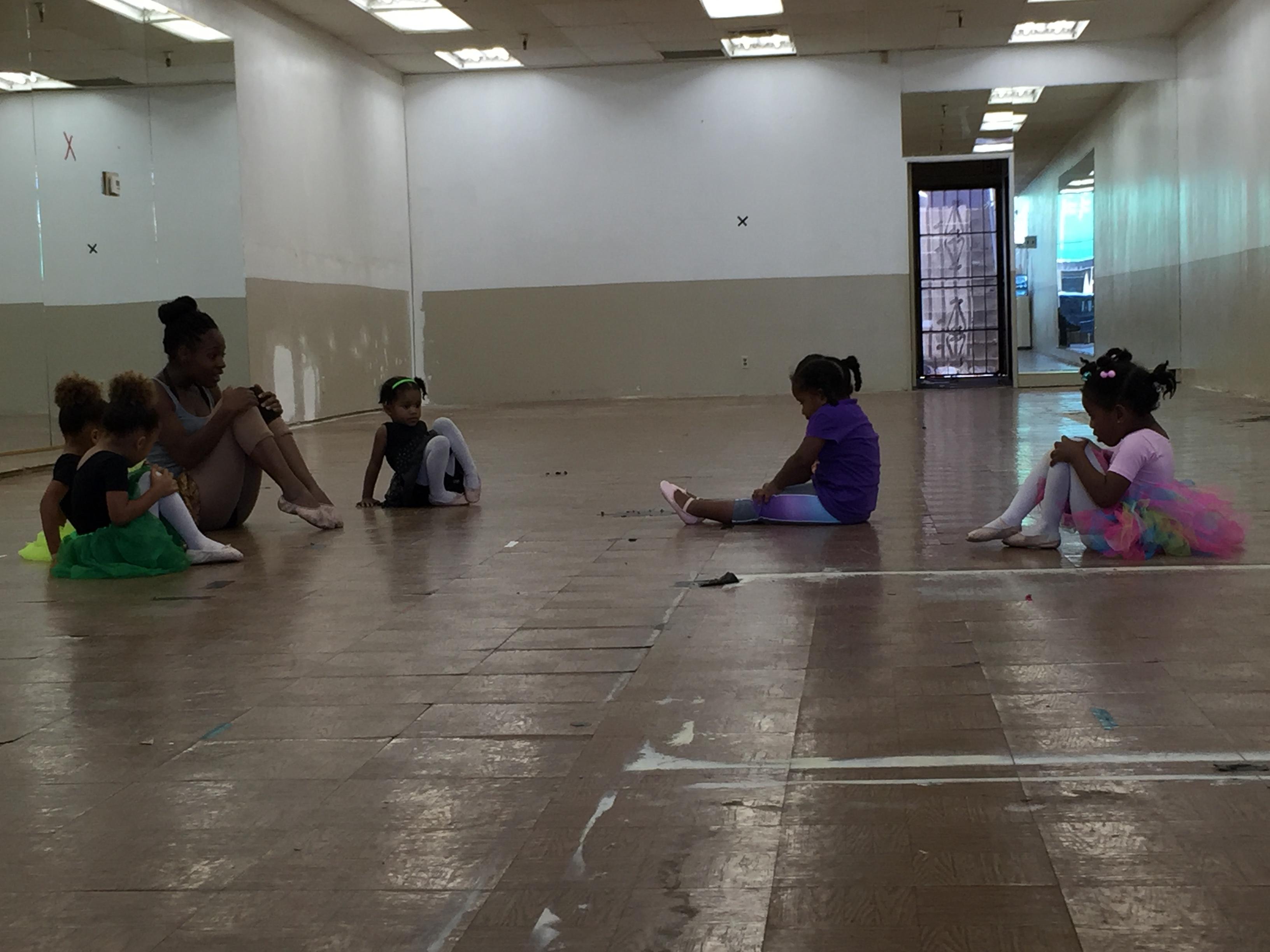 Ballet/Tap 2-3yrs Sat 10am
