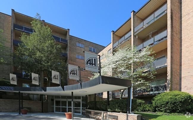 amberley-house-apartments-cincinnati-oh-building-photo.jpg