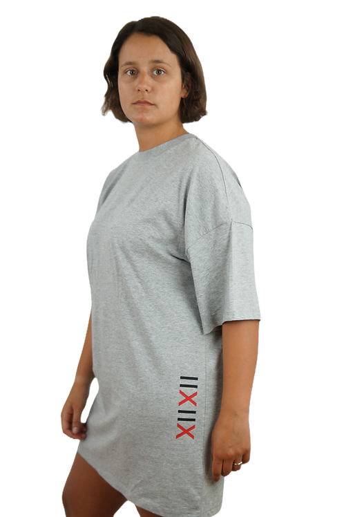 T-Shirtkleid: Femizide