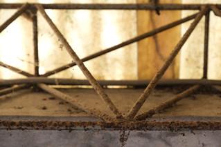 屏東菸葉廠-力霸桁架清理修復方式試作