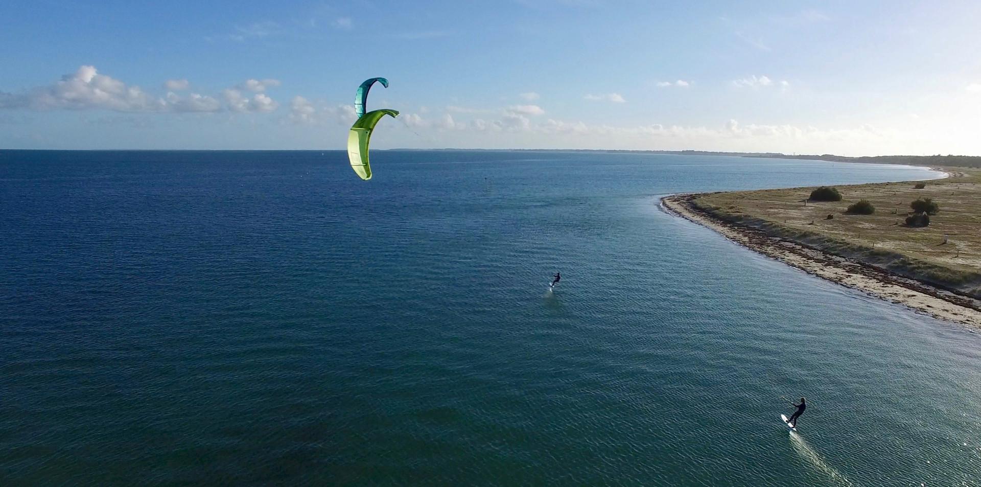 FlyUp Drone-Kitesurf dans la Baie de Quieron