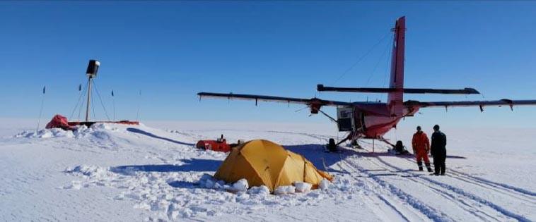 MetaSensing Antarctica tent set up