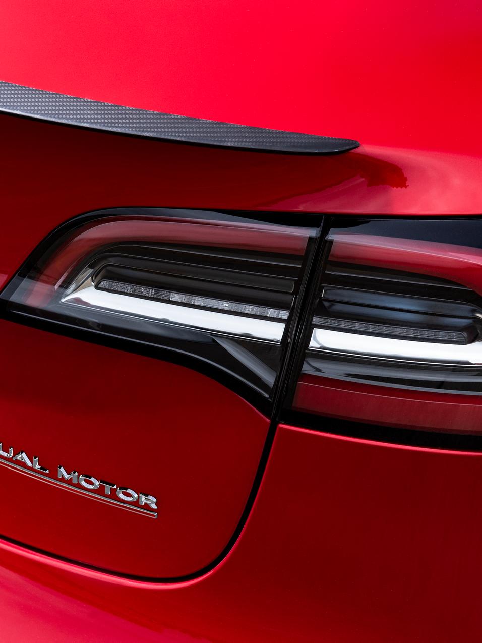 Model 3 Performance - Dual Motor Badge.p