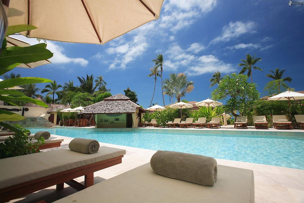 Resorts-pexels-thorsten-technoman-338504