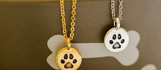 Paw%20Print%20Necklace_edited.jpg