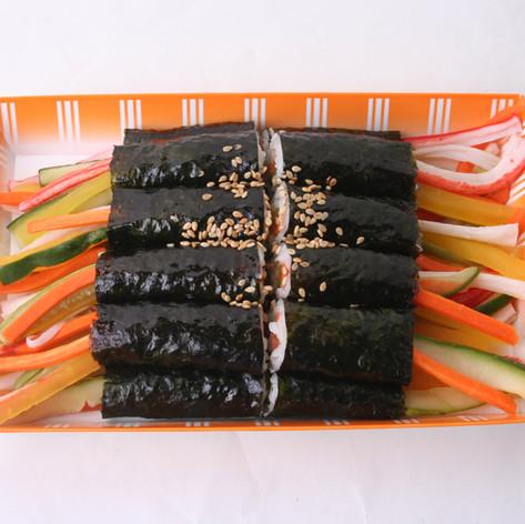 꼬마김밥 2등분(Double portion of kimbap)