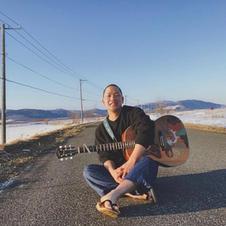 2019.8月より地元北海道にて 僧侶 兼 シンガーソングライターとして 活動を始める
