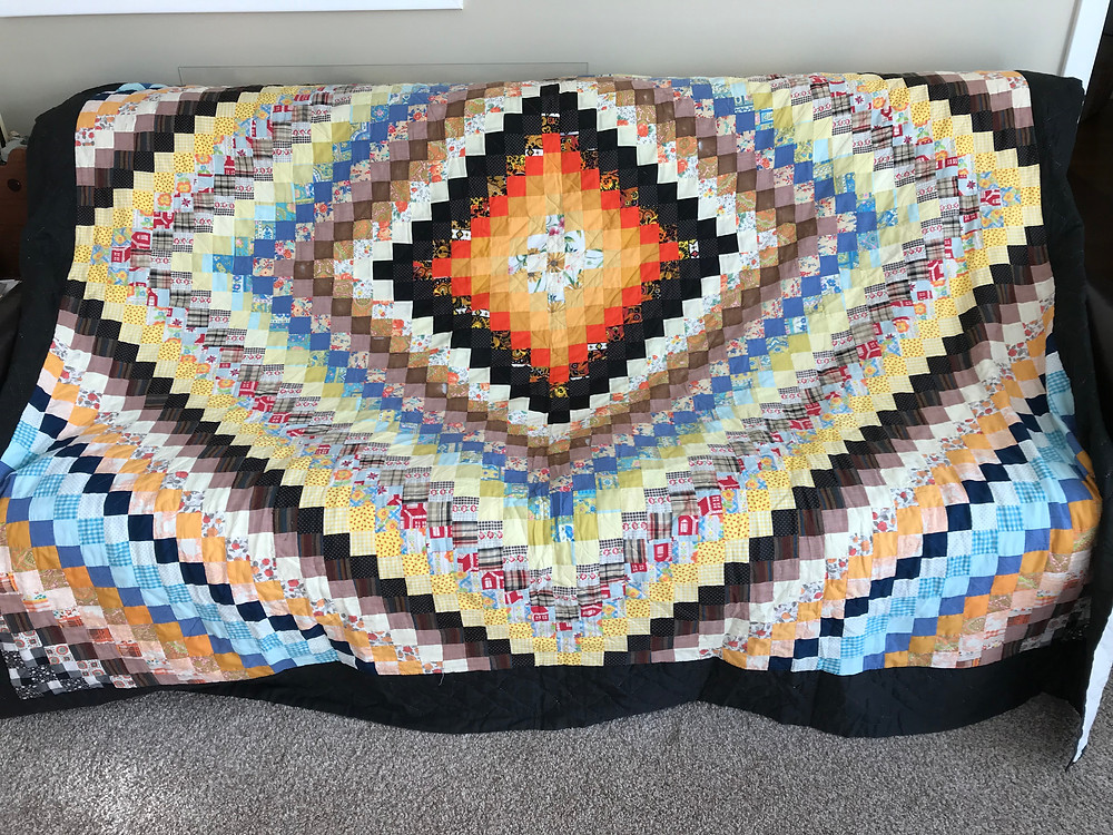 Beautiful hand pieced quilt