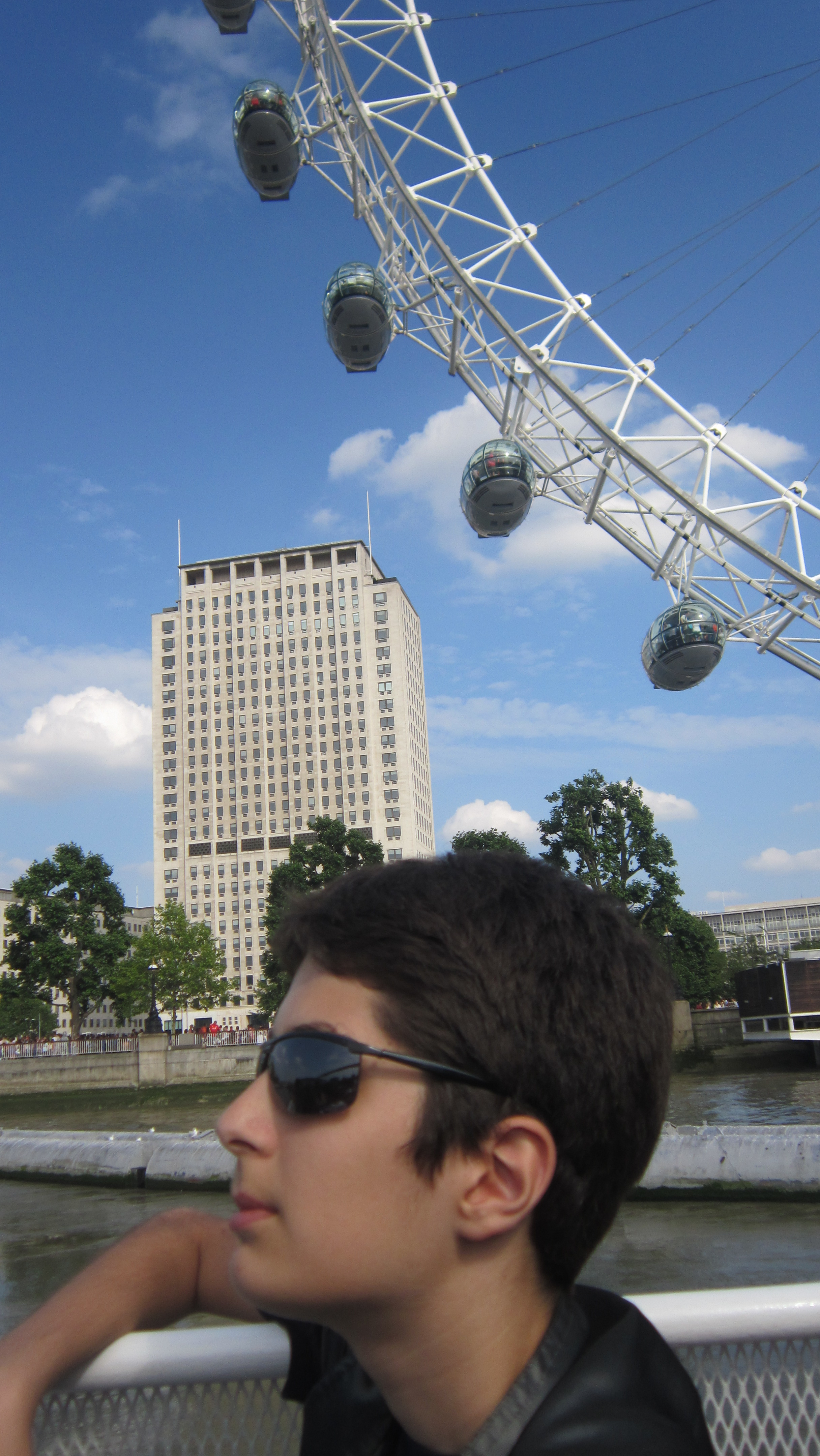 the Thames river cruise