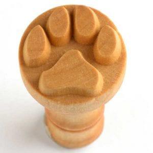 SCM001  2.5CM ROUND STAMP DOG PAW