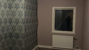 Målning, tapetsering och tak montering av två sovrum i Hudiksvall!