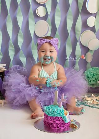 Ella's Cake Smash - Kinley Rose Photography, Ludowici, GA Newborn Photographer