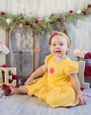 Belle's Cake Smash - Kinley Rose Photography, Ludowici, GA Newborn Photographer