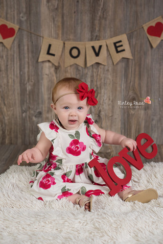 Harper's Valentines Day Mini Session - Kinley Rose Photography, Clarksville, TN Newborn Photogra
