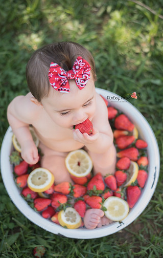 Lyla's Fruit Bath Mini - Kinley Rose Photography, Clarksville, TN Newborn Photographer