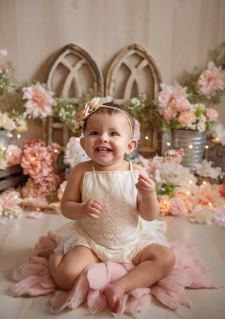 Camila's Cake Smash - Kinley Rose Photography, Ludowici, GA Newborn Photographer