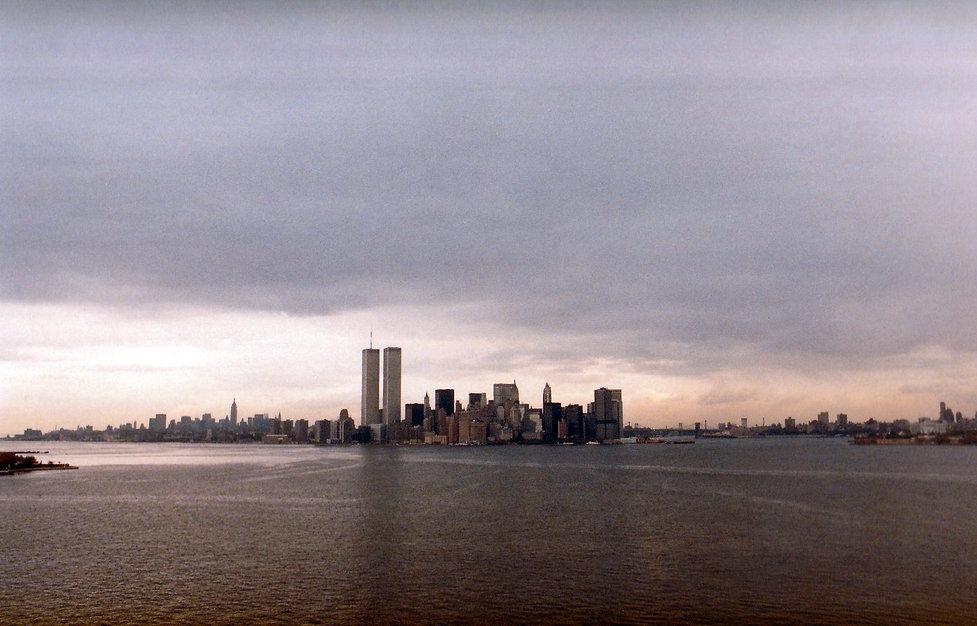 1983-USA-MANHATTAN VIEW FROM ELLIS ISLAN